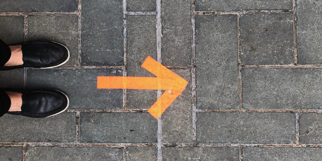 walking direction arrow