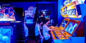 gamers on arcade games